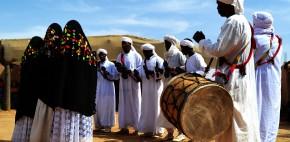"""La """"Sadaka"""", el festival gnawa de Khamlia en memoria a la liberación de sus antepasados esclavos."""